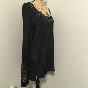 💕Maurices charcoal embellished top Size XL🛍